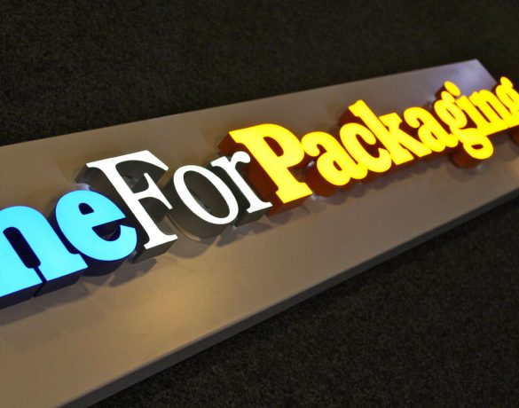 Lichtreclame: OneForPackaging